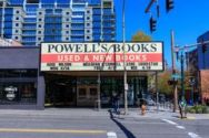 facade-powell-s-books-which-world-largest-independent-bookstore-portland-oregon-usa-april-114869395